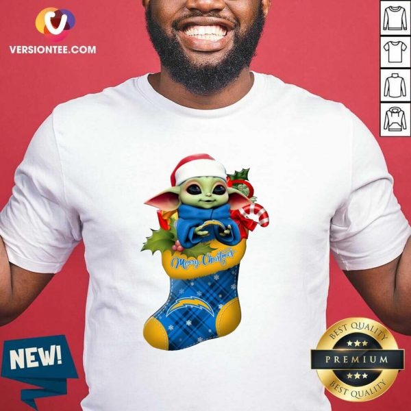 Baby Yoda Hug Los Angeles Chargers Ornament Merry Christmas 2020 Shirt - Design By Versiontee.com