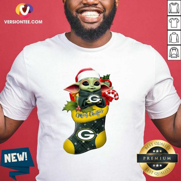 Baby Yoda hug Green Bay Packers Ornament Merry Christmas 2020 Shirt - Design By Versiontee.com